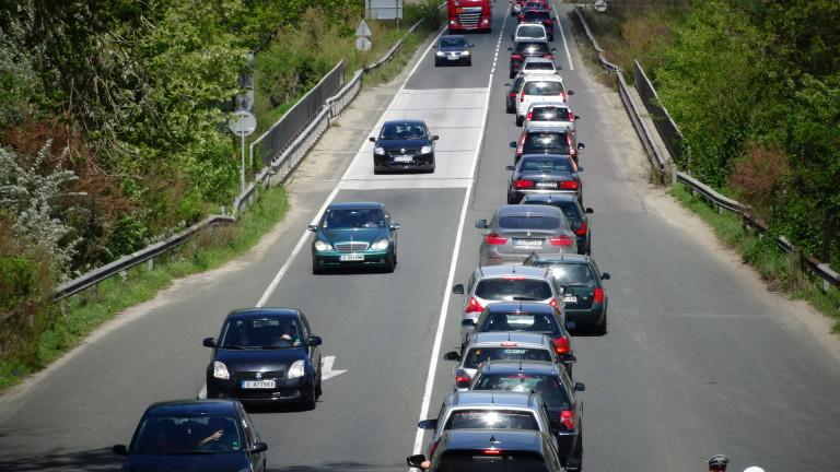 Очаква се интензивен трафик в страната след трите почивни дни