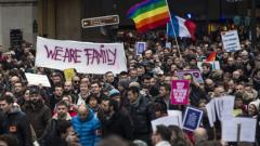 Хиляди подкрепиха гей браковете в Париж
