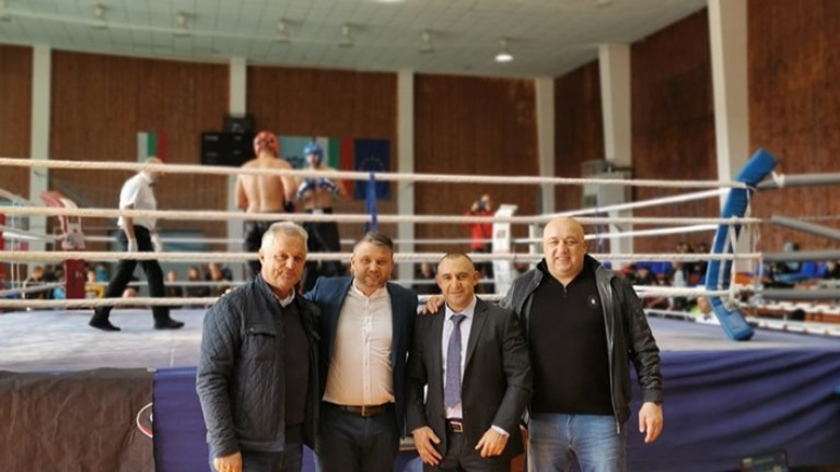 Министърът на младежта и спорта Красен Кралев посети квалификациите на Държавното първенство по кикбокс