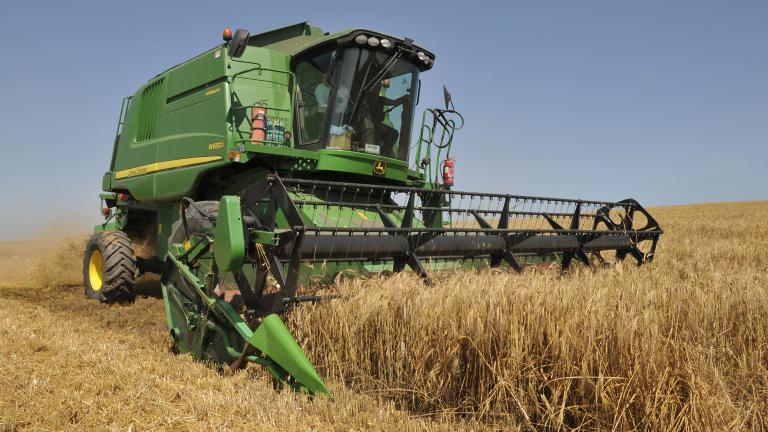 Ниските цени на зърното рязко свиха купуването на нова техника