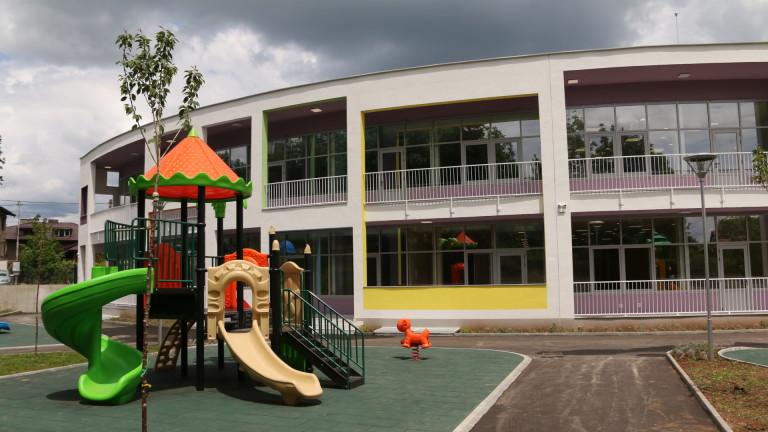 Детски градини на партери и в офисни сгради иска да строи Фандъкова