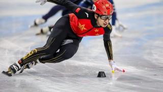 Олимпийският шампион Ву Дайджин отпадна в две дисциплини на Световното по шорттрек