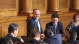 ЕС и НАТО са в криза, констатира Радан Кънев