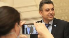 Пламен Николов обеща новина след аплодисментите на съпартийците си
