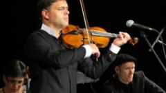 С концерт на Васко Василев започва Салонът на изкуствата в НДК