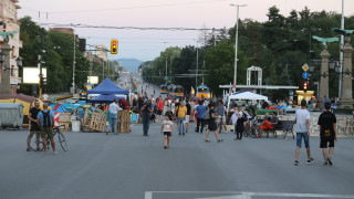 Остават блокадите на три кръстовища в София
