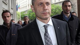 Върнаха Радостин Стойчев