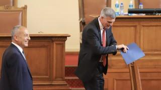 Ангелов vs Янев: Стойчо Кацаров е на море - Да оставим личния живот на хората