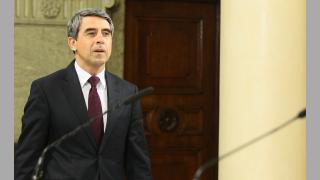 Президентът сезира Конституционния съд за референдума, ако депутатите не го направят