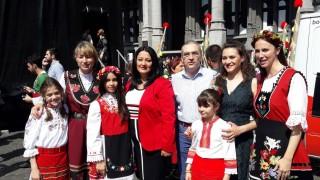 Павлова приветства хиляди на българско хоро в Брюксел