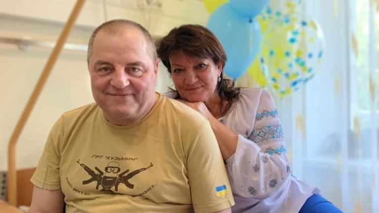 Тежко болният кримско-татарски активист Едем Бекиров, който пристигна в Украйна