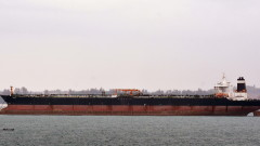 Иран е задържал британски танкер за контрабанда на петрол