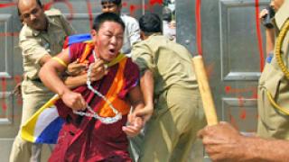 Тибет иска автономия на фона на пекинската Олимпиада