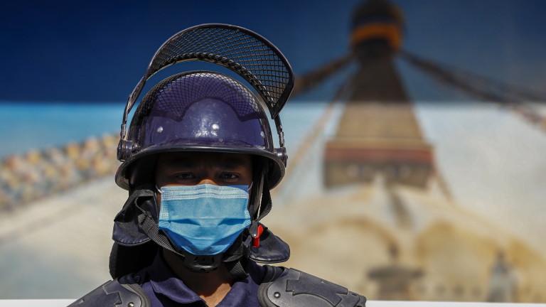 Бомба се взриви и рани 8 души в Непал