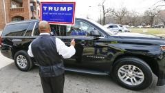 Сандърс и Клинтън нападнаха Тръмп