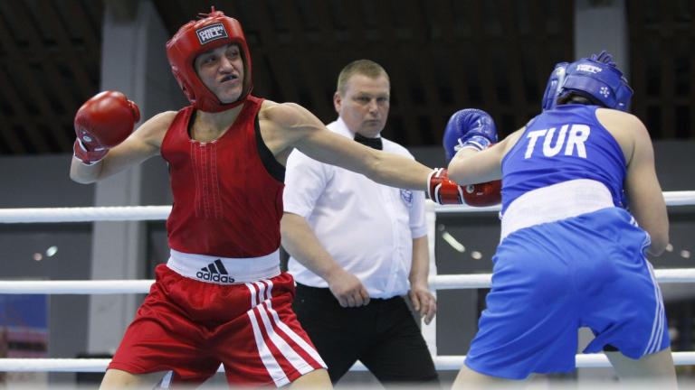 Деница Елисеева постигна трета победа за българския дамски бокс на