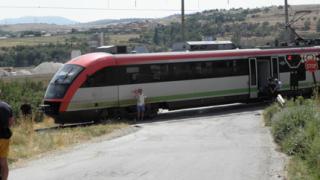Влакът София-Кулата блъсна човек
