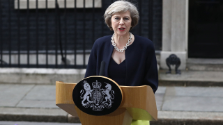 Терористична атака във Великобритания е много вероятна, призна Тереза Мей