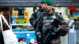 Застреляха атентатор, опитал да нахлуе в парижко полицейско управление