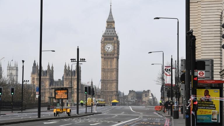 Измамите във Великобритания надхвърлят БВП на 148 държави