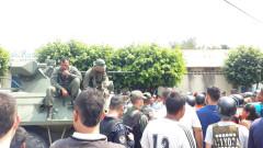 Венецуелски войници блокираха мост на границата с Колумбия