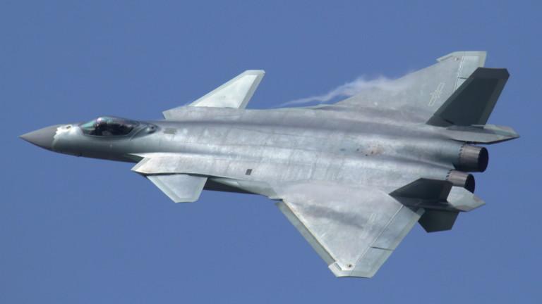 От клиент в конкурент: Китай се изправя срещу Русия в оръжейната индустрия