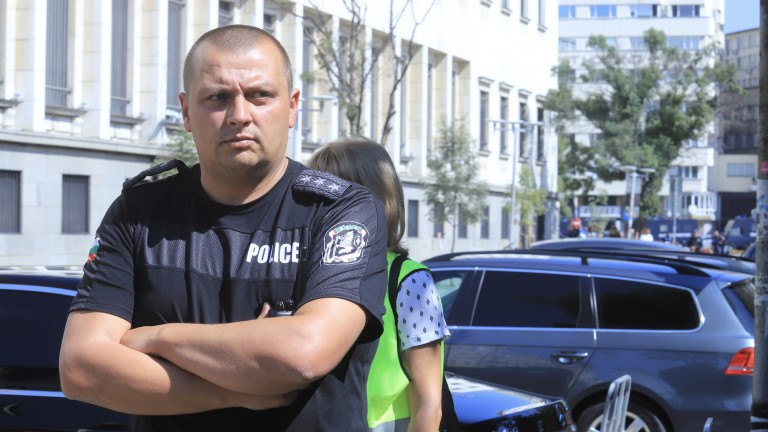 Шестима души са задържани до момента на протеста в София.