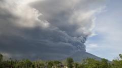 Отменят полети в Бали поради прогноза за вулканична пепел