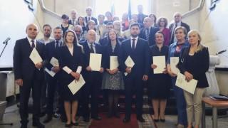 Напускането на Цветанов, новите евродепутати, Неофит с обръщение към родителите…