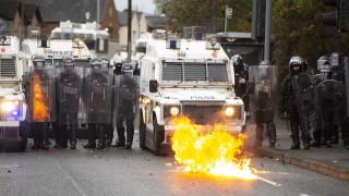 Лондон и Брюксел трябва да поемат отговорност за размириците в Северна Ирландия