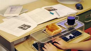 Непочистването на работното място води до зарази в офиса
