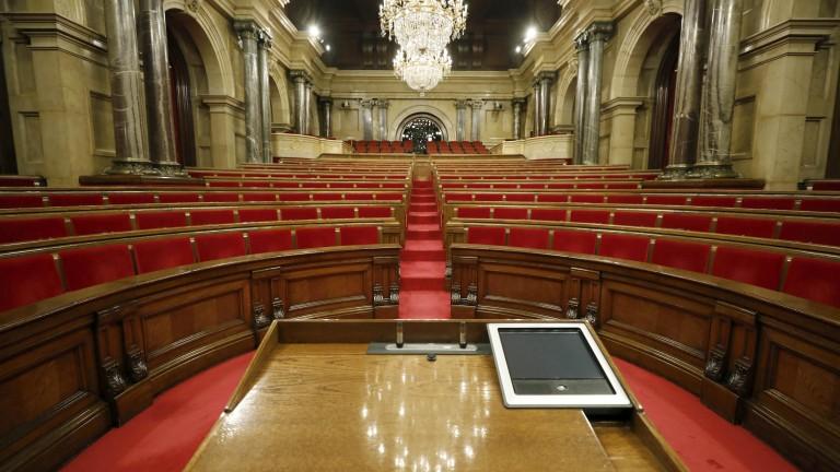 Мадрид поиска местни избори, а Каталуния автоматично членство в ЕС
