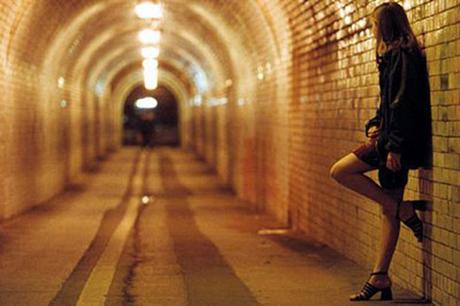 Откриха 17-годишна, отвлечена за проституция
