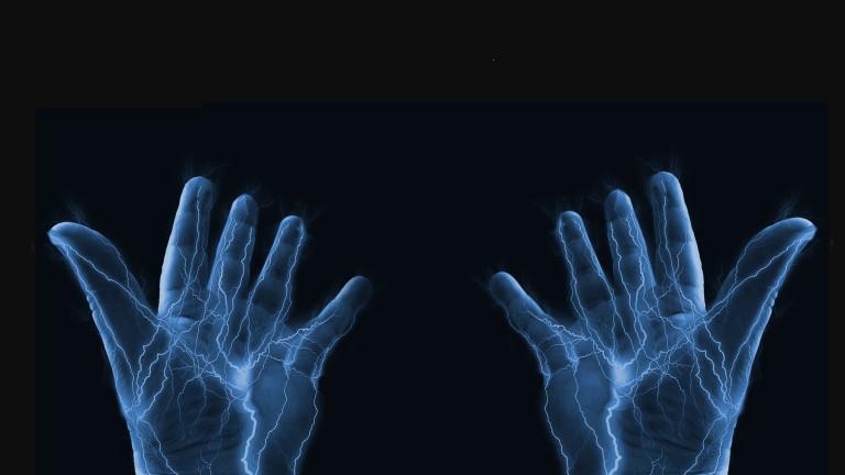 А ако можем да зареждаме смартфон чрез тялото си...