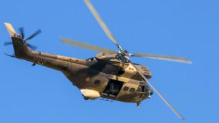 Пиян заби кола в паркиран хеликоптер
