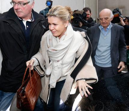 Шумахер се подобрява, обяви съпругата му