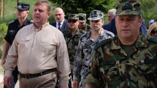 Каракачанов е доволен от МВР и МО в охраната на границата