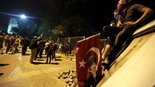 Турските синдикати обявиха стачка срещу  полицейското насилие