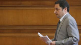 Правната комисия отряза Янев в искането му за Велико народно събрание