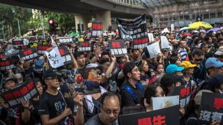 Нервни милионери от Хонконг местят парите си в Сингапур