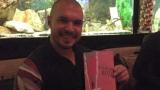 """Божинов получи книгата """"Силата на Палавото коте"""""""
