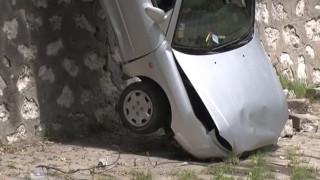 Кола падна в коритото на река Хасковска