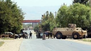 Талибаните убиха 30 войници при атака срещу военна база