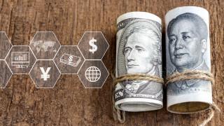 Китай отново започва да девалвира юана