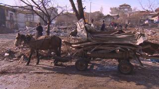 Търсят домове за над 300 семейства от Виетнамските общежития в София
