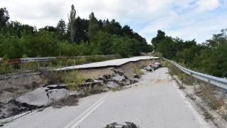 Възстановяват пътя и укрепват свлачището между Видин и Връшка чука