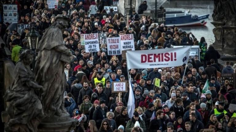 Отново хиляди протестираха срещу чешкия премиер Бабиш