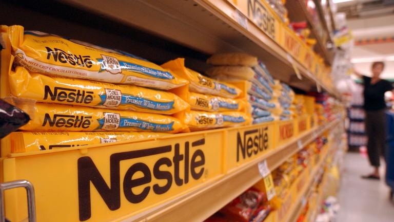 2015 година е била трудна и за Nestle. Приходите на компанията са се свили с 39%