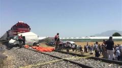 9 загинали при катастрофа между влак и бус в Източна Турция