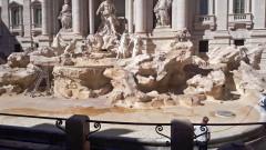 """Монетите от фонтана """"Ди Треви"""" скараха църквата и кмета на Рим"""